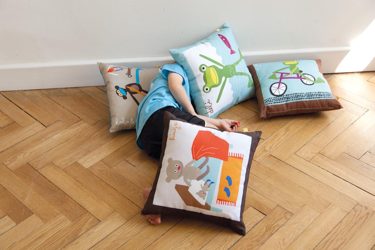Lavmi:Heroes:Bruno+cushions